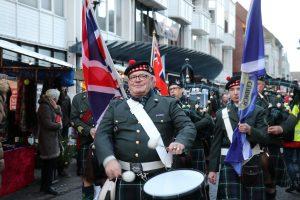 The Seafort Highlanders onder aanvoering van Lex